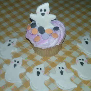 Gumpaste Ghosts And Confetti Cupcake Toppers