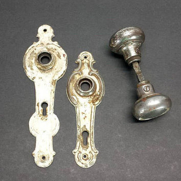 Vintage Door Knob Back Plate Set Skeleton Keyhole Metal Chipped Paint Aged Distressed Interior Hardware Shabby Victorian Ornate Style French