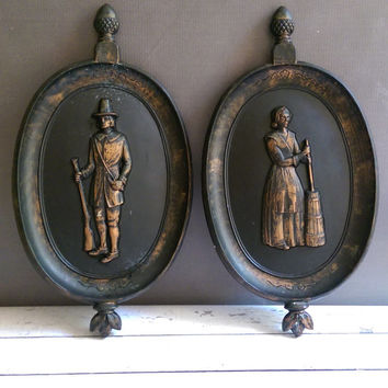 Retro Pilgrim Wall Plaques/ Vintage Thanksgiving Decorations/ Fall Decor/ Dart Industries Pilgrim Wall Hanging/ 1960s Thanksgiving/ Pilgrims
