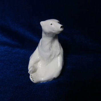 VINTAGE Porcelain Figurine polar bear white wagner apel germany 1970