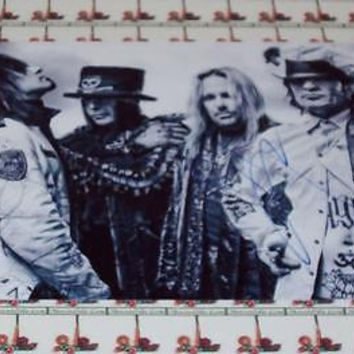 Vince Neil MOTLEY CRUE autograph 8X10 PHOTO COA Memorabilia Lane & Promotions
