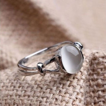 The Twilight Saga Bella's 18k White Gold Plated GP Moonstone Women's Wedding Ring With Thanksgiving