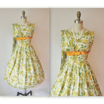 Vintage 1950's Dress Floral Print Garden Party by TheVintageStudio