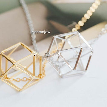 Cube necklace,charm necklace,bridesmaid gift,big cube charm,unique necklace,modern,minimalist,geometric necklace,SNK169