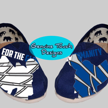 Custom Toms, Attack on Titan, Erin Jaeger, Levi, Fanart shoes, Birthday Gifts, Christmas Gifts, Art work, personalized toms