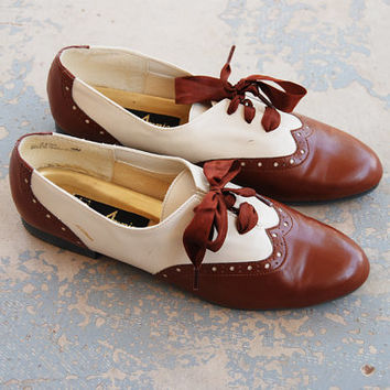 vintage 80s Oxfords - Brown and White Spectator Wingtip Flats Sz 9