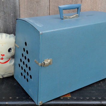 Blue Pet Carrier Cat Dog Portable Travel Plastic Mid Century Modern 1960's
