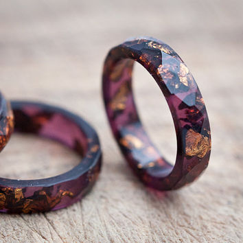 Deep Purple Resin Ring Stacking Ring Copper Gold Flakes Small Faceted Ring OOAK dark burgundy acai geometric jewelry rusteam