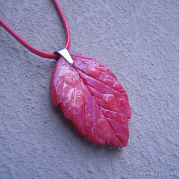 Nature inspired jewelry - Red leaf pendant necklace - Wet leaf jewelry - Sister gift Girlfriend gift Nature jewelry Red pendant gift