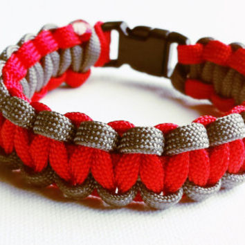 Paracord Bracelet- Para-Band- Paracord Survival Bracelet- Camping Gear- 550 paracord- Military Bracelet- Red and Gray- Gifts for Him/Her