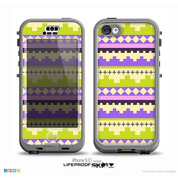 The Purple & Green Tribal Ethic Geometric Pattern Skin for the iPhone 5c nüüd LifeProof Case