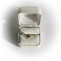 10 K Gold Stylized Heart Ring with Small Cat Eye Center Stone