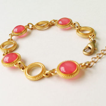 Pink Bracelet, Ruby Red Grapefruit Disc Bracelet with Gold Ring Chain, Ruby Pink Red Resin Round Bracelet, Resin Jewelry For Her