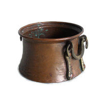 Vintage copper CAULDRON small hand HAMMERED pot - Ornate brass HANDLES - Decorative planter dye vat - Wiccan, pagan decoration, witches bowl
