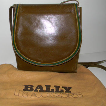 Vintage leather purse, Authentic Bally of Switzerland purse in olive green leather unique shape -