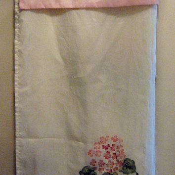 Shower Curtain Hydrangea Print Polyester Fabric vintage 80s Pink White Sage Green Embroidery Cottage Chic 70 inches Square