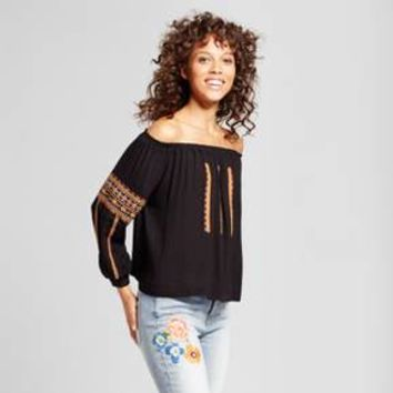 Women's Off the Shoulder Embroidered Top - Cliché Black