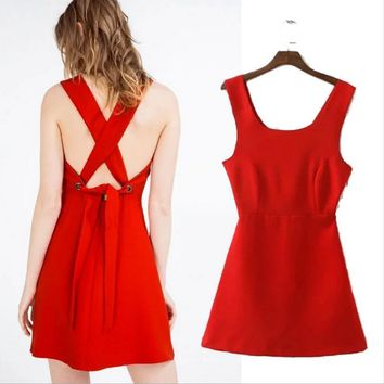 Fashion round neck solid cross backless lace dress Slim