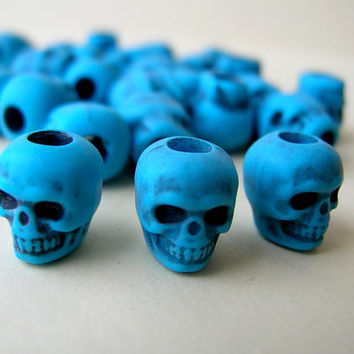 25 Turquoise Plastic Skull Beads - Gothic Skull - Day of the Dead Skull Lot - Wide Hole Beads - Macabre