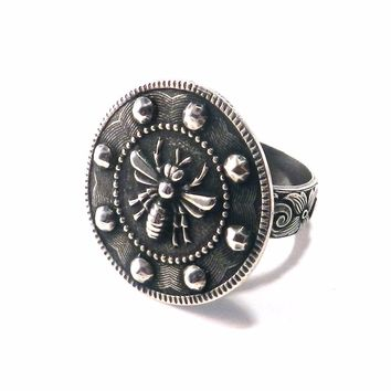 Large QUEEN BEE Statement Ring - SILVER
