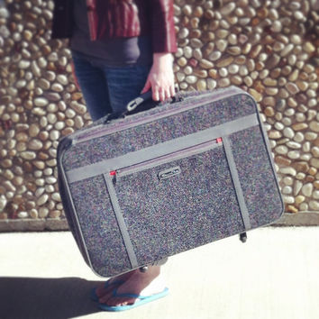 AWESOME Vintage Retro Oscar de la Renta Suitcase Baggage Grey Tweed Luggage Red Wheels Travel Wanderlust World Traveler Jet Setter Designer