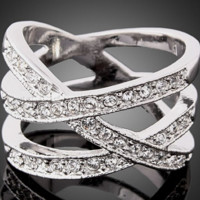 New jewelry fashion hollow diamond ring full of diamond ring