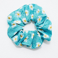 Hair Scrunchie in Daisy Print - Urban Outfitters