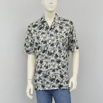 Vintage 70s Black and White Polyester Disco Shirt, Leaf and Floral Print, Mens Retro Shirt, Big Collar, Butterfly Collar, Size L