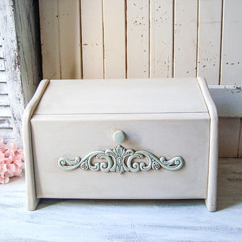 Antique Cream Wood Bread Box, Ornate Distressed Bread Storage Box, Rustic Vintage Box, Shabby Chic Decor Wooden Bread Storage Box, Gift Idea
