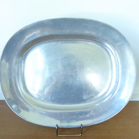 Wilton Armetale Plough Tavern oval platter, 14 1/2 inches with glossy finish