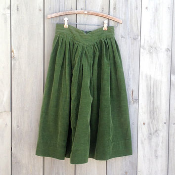 Vintage skirt | Soft green corduroy flared full dirndl skirt