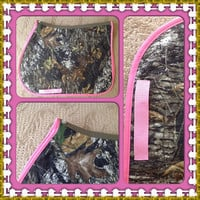 Custom Made and Quilted English All Purpose Saddle Pad in Mossy Oak Break Up print and Hot Pink Trim
