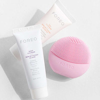 Foreo Get Up + Glow Set | Urban Outfitters