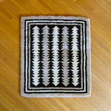 1970s Wool Latch Hook Throw Rug - Brown Cream Geometric Arrows Triangles Area Rug