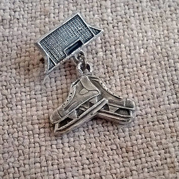 Vintage sports badge Ice Skate Retro Hockey pin Figure skating Ice skater fan Ice rink Ice dancing Miniature boot shoe Skates Lapel medal