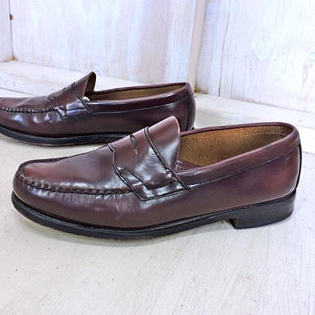 Vintage G H  Bass loafers  Mens 9 D /  Weejuns penny loafers /  Oxblood leather loafers