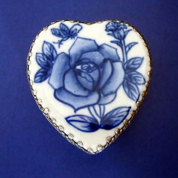 Vintage Chinese Trinket Box, Blue & White Rose, Porcelain, Heart Shaped, Silver Plated, Jewelry Box
