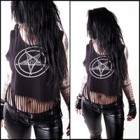 Pentagram Fringe Shirt  - Biker Gothic Heavymetal Deathrock Blackmetal Outfit Used Destroyed Cutted Casualwear Casuallook Look Hot Sexy