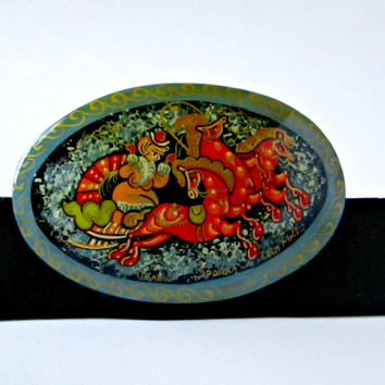 Collectible Hand Painted Colorful Vintage Russian Lacquer Brooch Signed Nanex Tpouka Intricately Detailed Woman Chariot Three Horses
