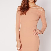 Missguided - Long Sleeve Curve Hem Ribbed Bardot Bodycon Dress Nude