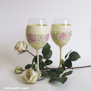 Wedding Glasses. Set of 2. Hand Painted- Vintage stile. Gift for her. Floral. Roses. Wine glasses. Birthday glasses. Mother's day gift.