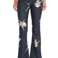 NWT FREE PEOPLE BALI FLORAL-PRINT MIAMI NIGHT COMBO FLARE JEANS