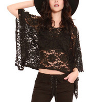 GYPSY WARRIOR - Rose Lace Poncho