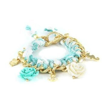 Charming Flower Bracelet in Sweet Pea
