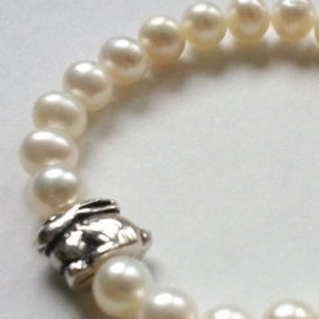 Childrens Fresh Water Pearl Bracelet with Bunny Accent Bead, Easter, Spring, Flower Girl, Birthday Gift, Kids Jewelry, Childrens Jewelry