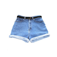 rolled up cuffed jean shorts 90s vintage classic denim high waisted minimalist mom jean shorts