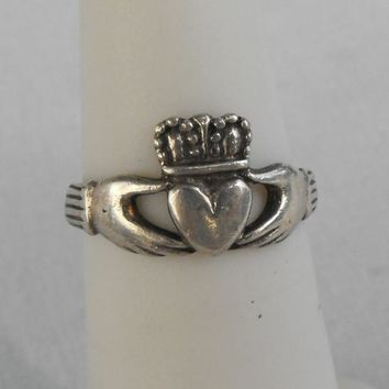 Tiny Sterling Silver Claddagh Ring Size 4.5 Vintage Celtic Scottish Jewelry