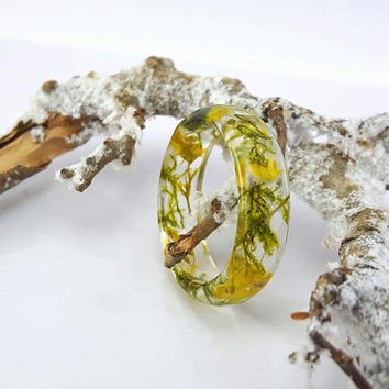 Resin ring with real flower, pressed flower ring ,terrarium ring, real moss ring, nature ring