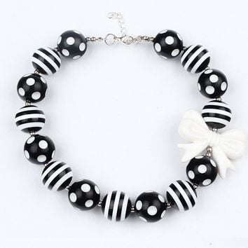 Black White Striped Chunky Bubblegum Necklace Girls Toddler Photograph Prop