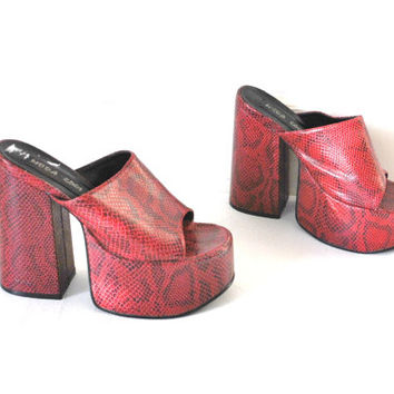 size 7 red SNAKESKIN mega platform sandals / vintage early 90s CLUB kid stacked toe Spice Girls CYBER punk slip on platforms